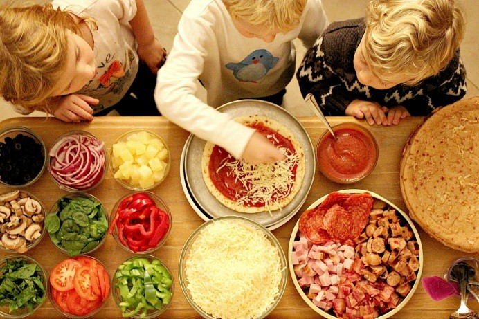 Make Your Own Pizza Night! – Be A Fun Mum