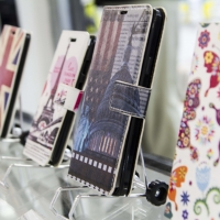 Montana Family Market_Khan Mobile_phone cases with screen display
